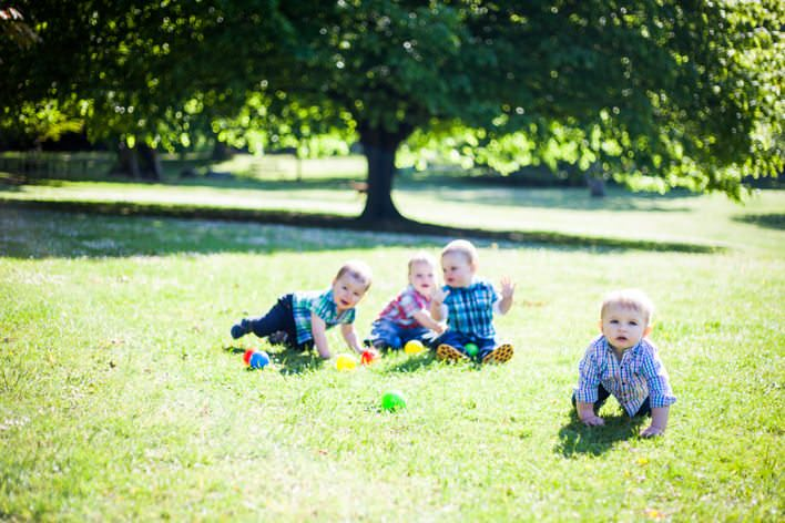 Swansea children's photography – Monkeys at Clyne Gardens