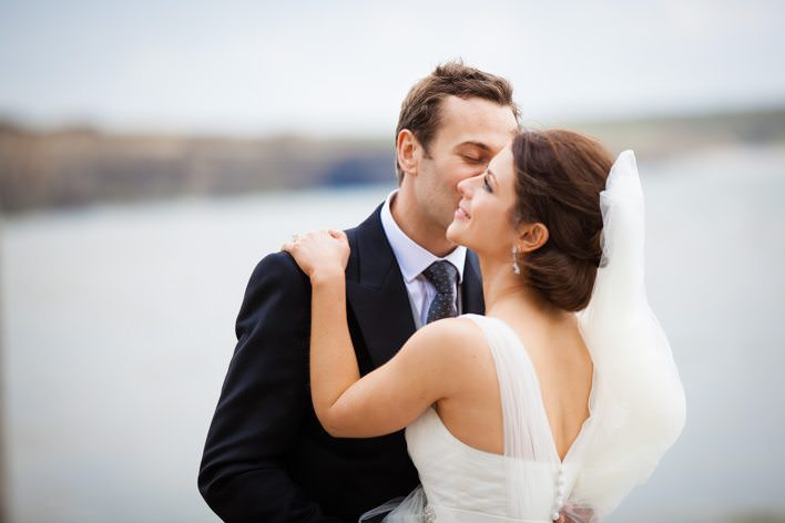 Swansea wedding photographer – Jonny & Sian | St Donat's Castle