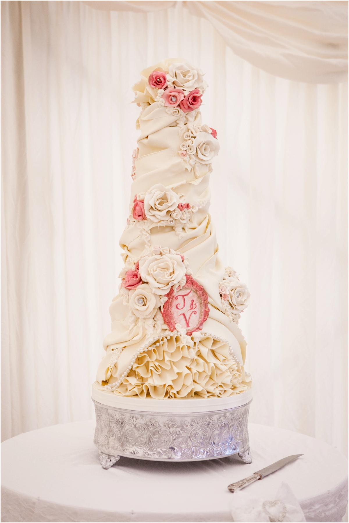 wedding cake cream and pink