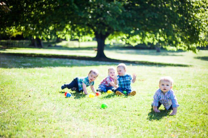 Swansea children's photography – Monkeys at Clyne Gardens