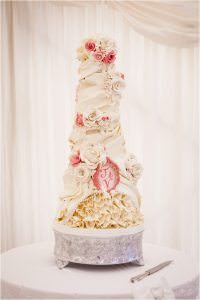wedding cake cream and pink