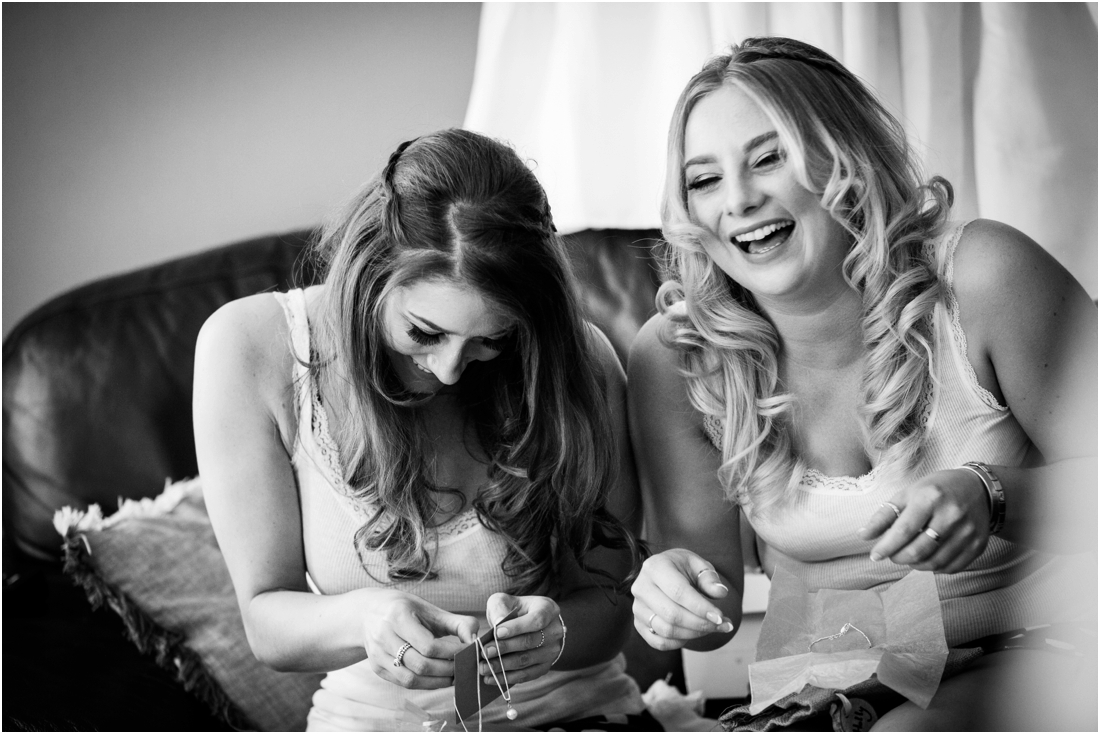2 bridesmaids laughing